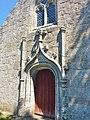 Clohars-Fouesnant 003 Eglise Porte style gothique flamboyant.JPG