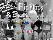 Bikinis in einem Schaufenster