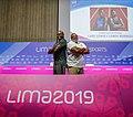 Conferencia de prensa de medallistas Carl Lewis y Leroy Burrell.jpg