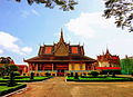 Cung điện Hoàng gia Campuchia.jpg