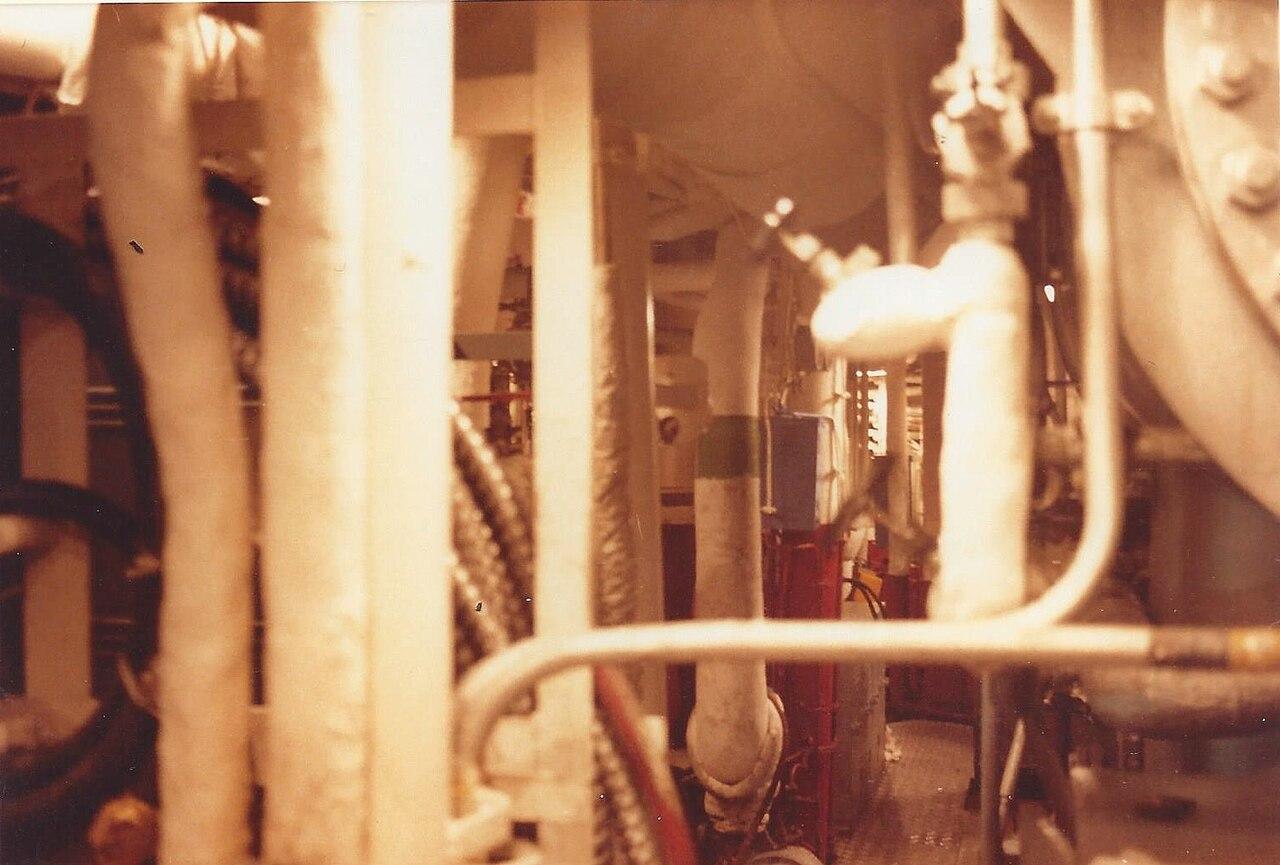 File:Dampfkesselanlage Mölders (D 186).jpg - Wikimedia Commons