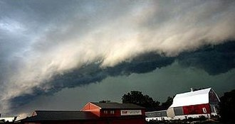 Squall line - Shelf cloud from a Derecho photographed in Minnesota