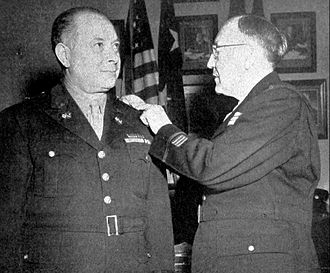David Sarnoff - Sarnoff receiving his brigadier general's star from Major General Harry C. Ingles, chief signal officer of the US Army.