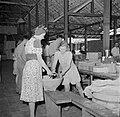 De winkel van het Adek-kamp in Batavia, Bestanddeelnr 255-8169.jpg