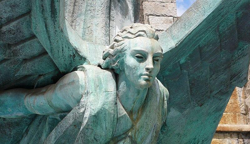 File:Detalle Monumento a Franco.jpg