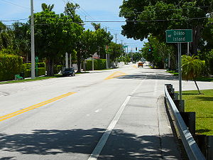 Eastward on the Venetian Causeway at Di Lido Island