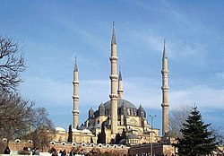 Selimiye Mosque, commissioned bi Selim II an designed bi Mimar Sinan in 1575.