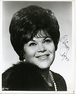 Elinor Ross American opera singer