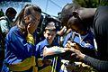 Em clima festivo, seleção da África do Sul treina contra time da Polícia Militar (28016070344).jpg