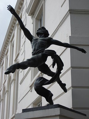 "David Wall (dancer) - Sculpture ""Jete"" by Enzo Plazzotta based on David Wall"