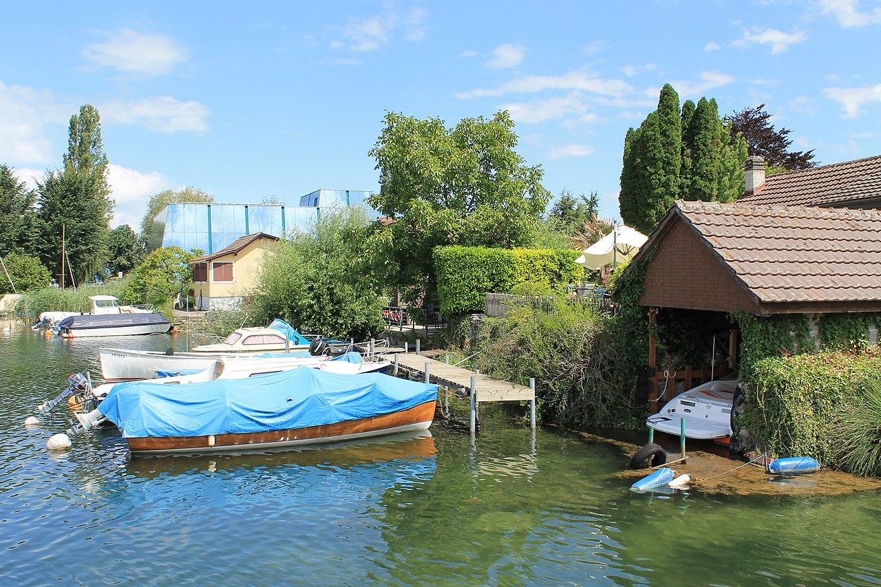 File:Estavayer-le-Lac - panoramio (122) jpg - Wikimedia Commons
