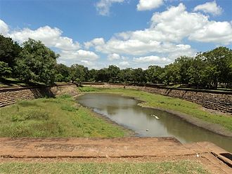 Lankarama - Eth Pokuna (Elephant pond).