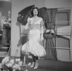 Eurovision Song Contest 1958 - Margot Hielscher.png