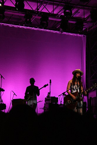 Feist (singer) - Feist live at the Festival d'été de Québec 2008 (Québec, Canada)