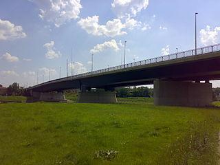Flügelwegbrücke von der Übigauer-Seite aus gesehen