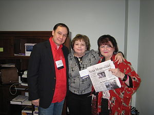 Pulpwood Queens - Authors Jamie Ford and Kathryn Casey with author/Pulpwood Queens Founder Kathy Patrick 2011