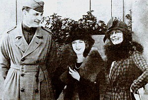 Frances Marion - Mary Pickford (center) with newlyweds Fred Thomson and Frances Marion (1919)