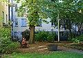 Frodig gårdsmiljø i Gamla stan - Stockholm - October 2015 - Holmstad - B.JPG