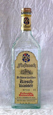 Kirschwasser, prodotta in Germania con una gradazione al 40%.