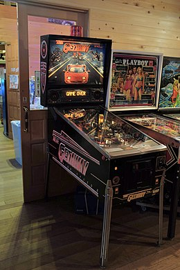 Full machine photo of the Getaway Pinball machine..JPG