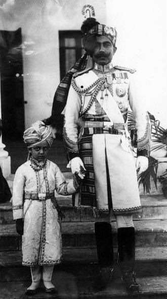 History of Bikaner - Ganga Singh with his son in 1914