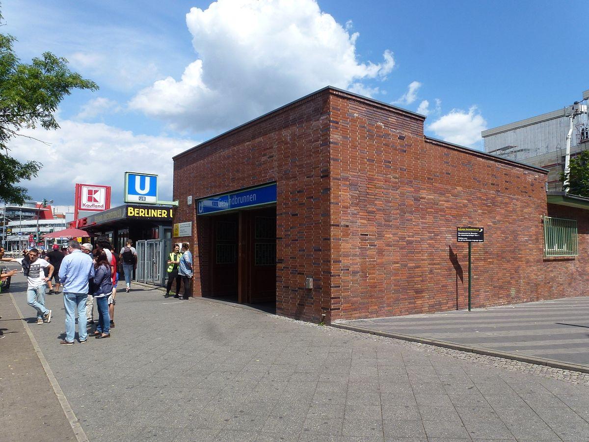 Gesundbrunnen U-Bahn-Eingang.jpg