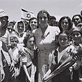 Golda Meir with children of Kibbutz Shfayim.jpg