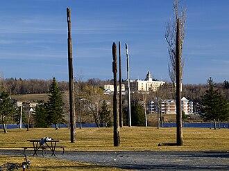 Granby, Quebec - Image: Granby Totems Parc D Johnson