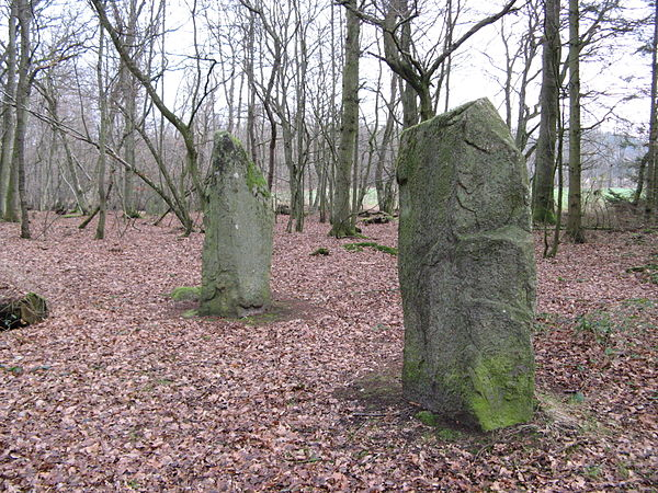 megalithic monuments in europe Studies of megalithic monuments in western europe have frequently remarked  upon the varied sources of the stones used to build these structures in the.