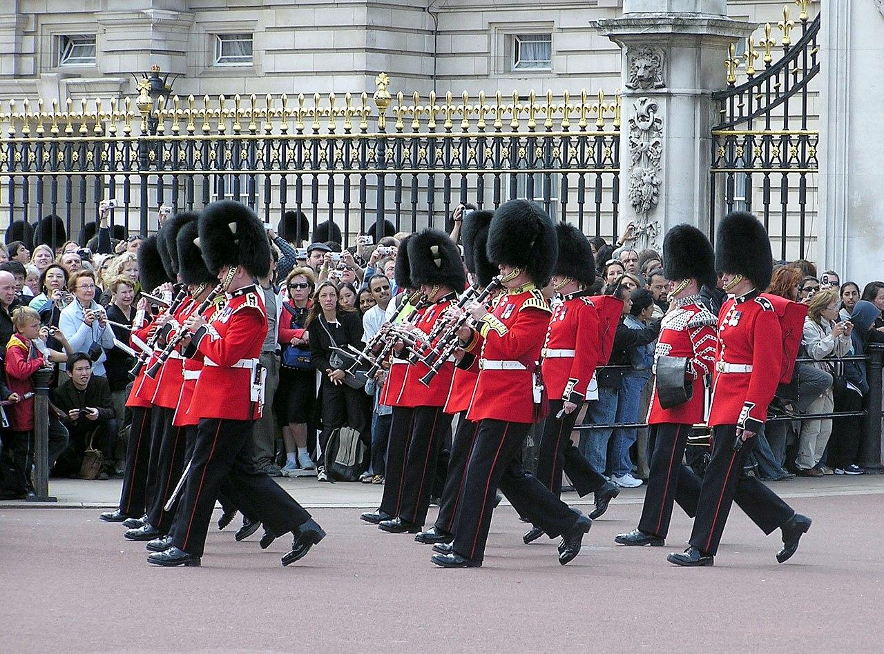 Royal Walkibg Tour Changing Of The Guard