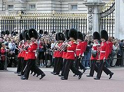 Guard.mounting.buck.palace.arp