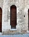 Gubbio, via baldassini, porta dei morti 01.JPG