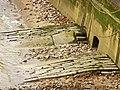 Gully and Slipway, River Thames, London EC4 - geograph.org.uk - 1097922.jpg
