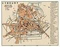 HUA-212047-Plattegrond van de stad Utrecht met weergave van het stratenplan met straatnamen belangrijke gebouwen wegen tramlijnen en spoorlijnen en watergangen M.jpg