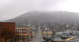 Harriman, Tennessee - View along Crescent Avenue from Cornstalk Heights, with Walden Ridge in the background