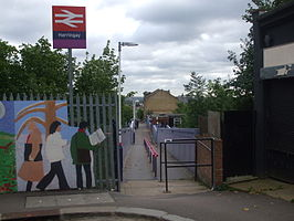 Harringay station west entrance.JPG