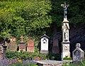 Hatzenport, Grabsteine auf dem alten Friedhof.jpg