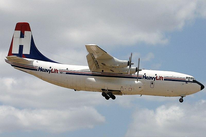 Fuerzas Armadas del Reino Unido 800px-HeavyLift_Cargo_Airlines_Short_Belfast_PER_Monty