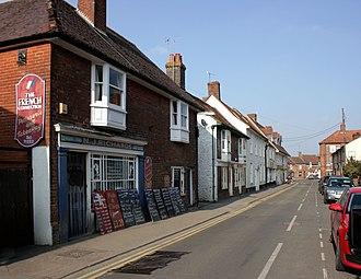 Lambourn - Image: High Street, Lambourn. geograph 2312396 by Des Blenkinsopp