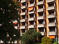 Hirzenbach Wohnhaus Orange 2014-08-24.JPG