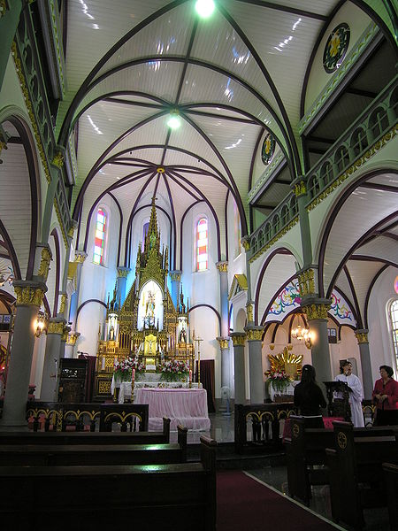 File:Holy Rosary Minor Basilica-Cathedral.jpg