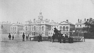 Cádiz Memorial - The memorial in its original location in 1860, with chevaux de frise surrounding it