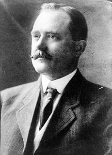 Clark Howell