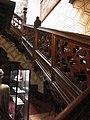Hrádek u Nechanic, dubové schodiště.jpg