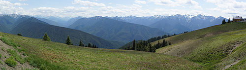 Panoramic view of the Olympic National Park as seen from the Hurricane Ridge visitor center parking lot