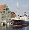 Hurtigruteskipet DS Saltdal i Nidelva (ca. 1955) cropped.jpg