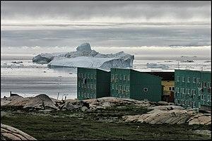 Ilulissat - Image: Icebergs ^ Houses panoramio