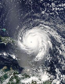 Image satellitaire d'Irma à l'approche des Petites Antilles le 5 septembre 2017, à son maximum.