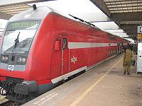 רכבת נוסעים דו קומתית מסוג מו-דו של רכבת ישראל