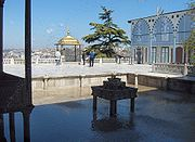 Upper terrace with fountain, İftar bower and Baghdad Kiosk